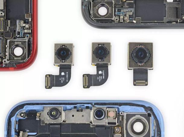 중앙 왼쪽에서 오른쪽으로 아이폰 SE, 아이폰8, 아이폰 XR 카메라 센서.(사진=아이피스잇).