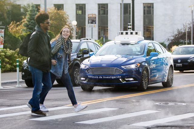 포드의 자율주행 로봇 택시 출시 계획이 1년 연기됐다. (사진=씨넷)