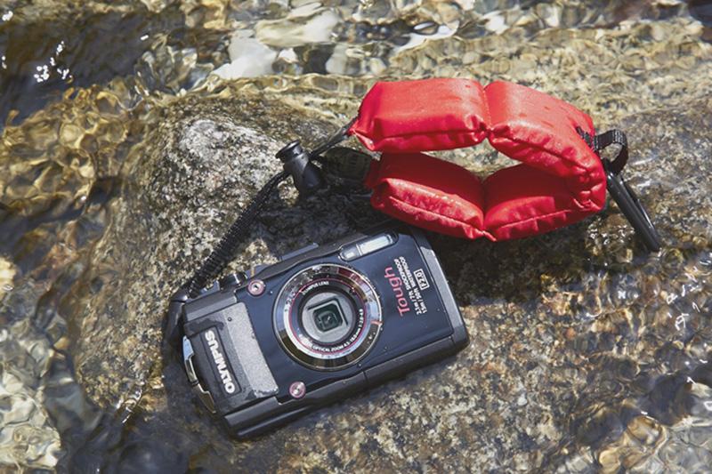 터프 카메라는 극한의 상황에서도 사진 촬영을 할 수 있도록 내구성이 높은 제품이다