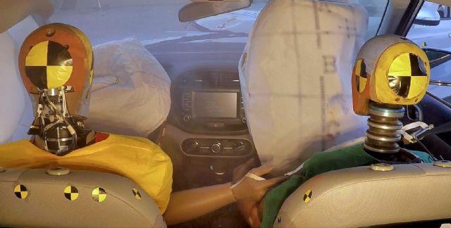 현대기아차 복합충돌 에어백 시스템 구현 모습 (사진=현대기아차)