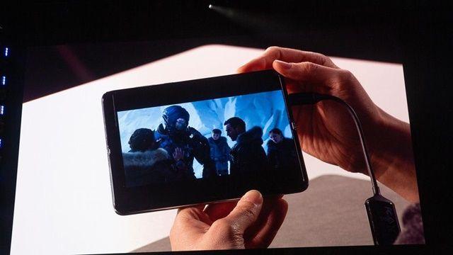 모바일 앱이 화면 크기에 따라 원활히 전환돼, 작은 스마트폰 화면에서 보던 영상을 화면을 키워서 태블릿 사이즈로 볼 수 있다. (사진=씨넷)