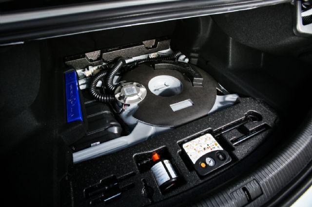 SM6 LPe에 들어가는 LPG 도넛 탱크. 트렁크 공간을 확보한 것이 사장 큰 특징이다. (사진=르노삼성차)