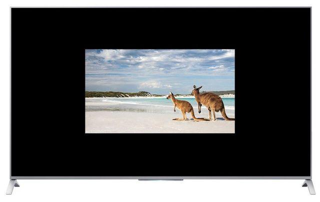 업스케일링을 적용하지 않고 FHD 영상을 UHD TV로 재생했을 때 화면