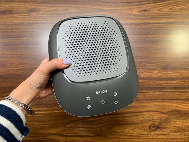제품 상단 청정 표시등을 통해 주변의 공기 상태를 알려준다. (사진=지디넷코리아)