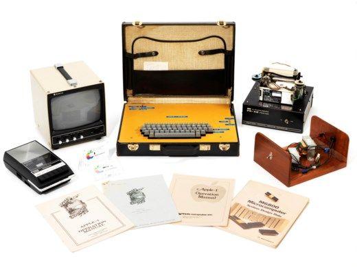 1976년 오리지널 애플1 컴퓨터가 영국 크리스티 경매에서 낙찰됐다. (사진=크리스티 경매)
