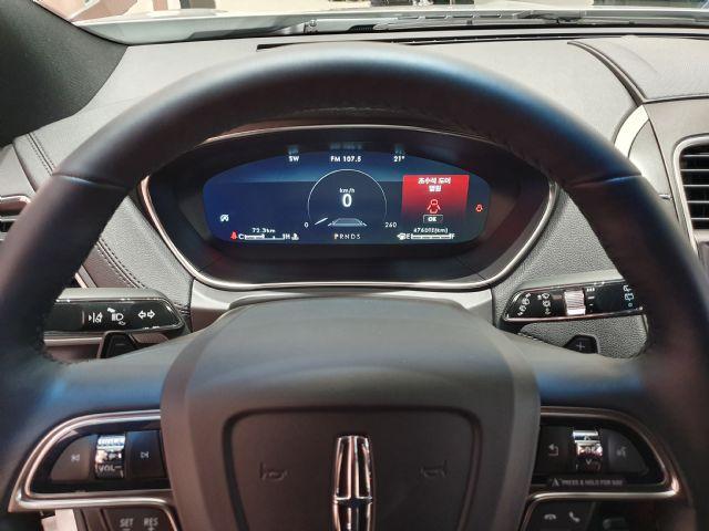 링컨의 준대형 SUV '노틸러스' 운전석엔 12.3인치 LCD 스크린이 적용됐다. (사진=지디넷코리아)