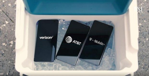 WSJ 조안나 스턴 기자가 삼성 갤럭시S10 5G를 아이스박스에 넣어 발열 문제를 지적했다.(사진=WSJ)