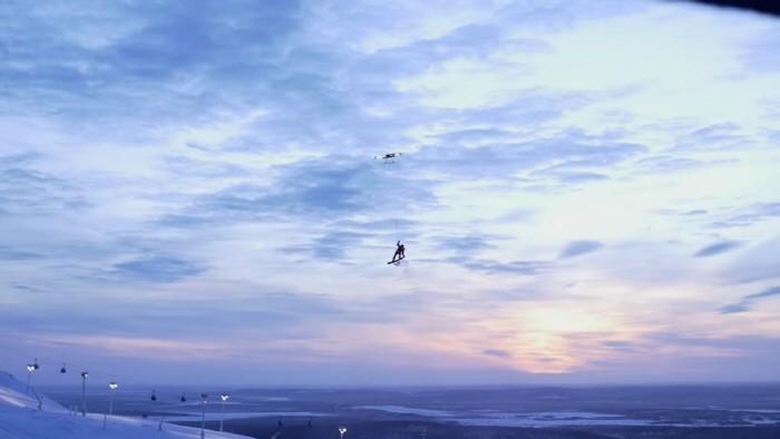 drone_snowboarder_161224_1