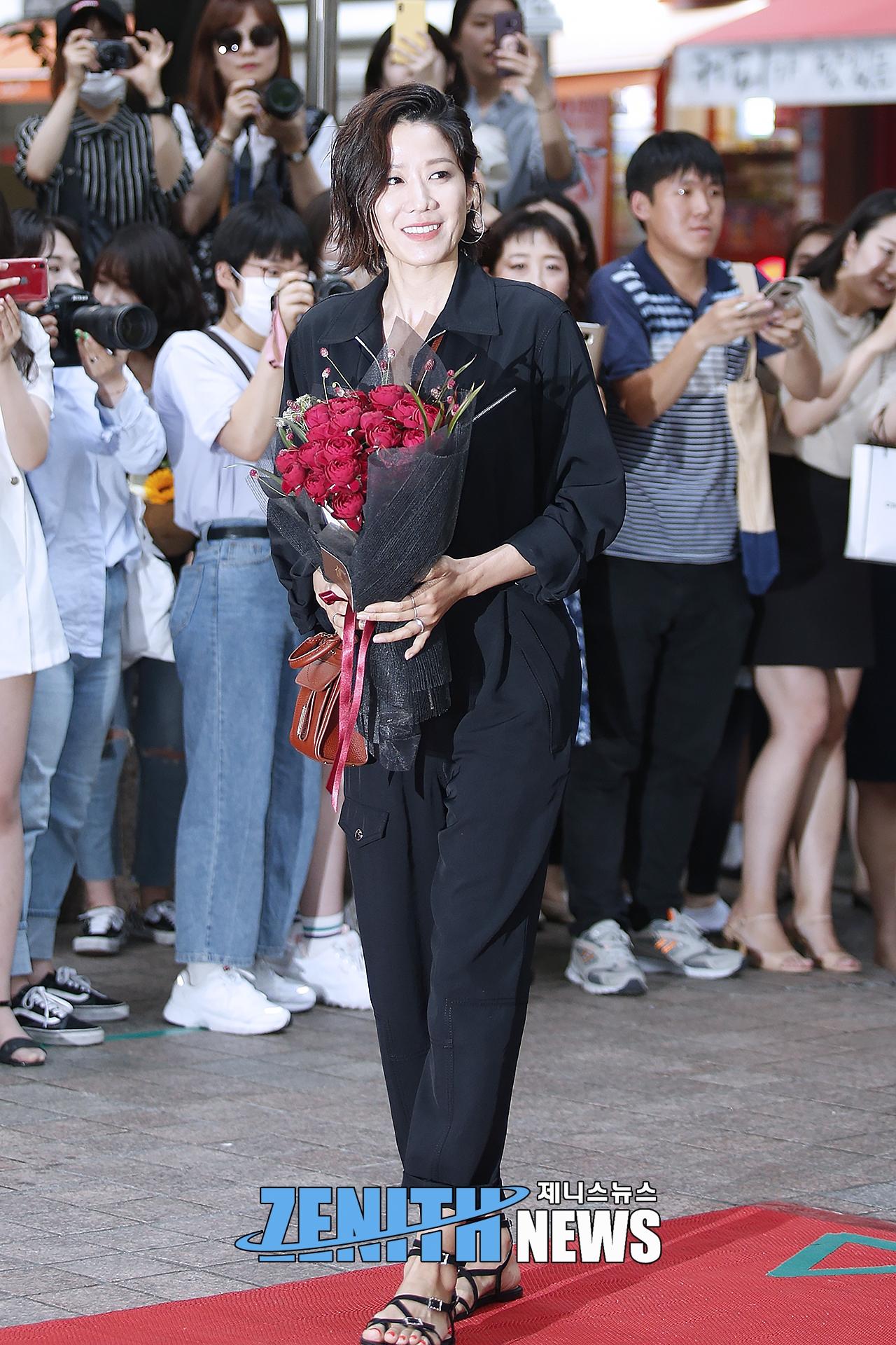 ▲ 검블유 전혜진-이다희 '남심-여심 다 자극하는 걸크러시 언니들♥' (사진=문찬희 인턴기자)