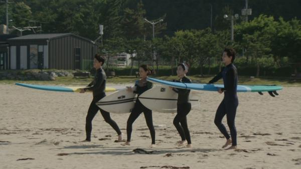▲ 김슬기, '서핑하우스'로 예능 복귀... 5분 메이크업 팁 공개! (사진=JTBC)