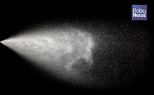 공기청정기는 가습기에서 나오는 물 분자를 먼지 입자로 인식할 수 있다. ⓒ베이비뉴스