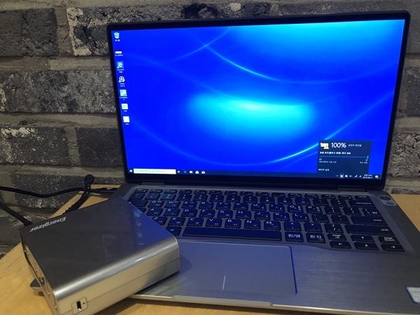 XP20001PD는 최대 45W를 지원해 노트북을 충전하는 것도 가능하다.